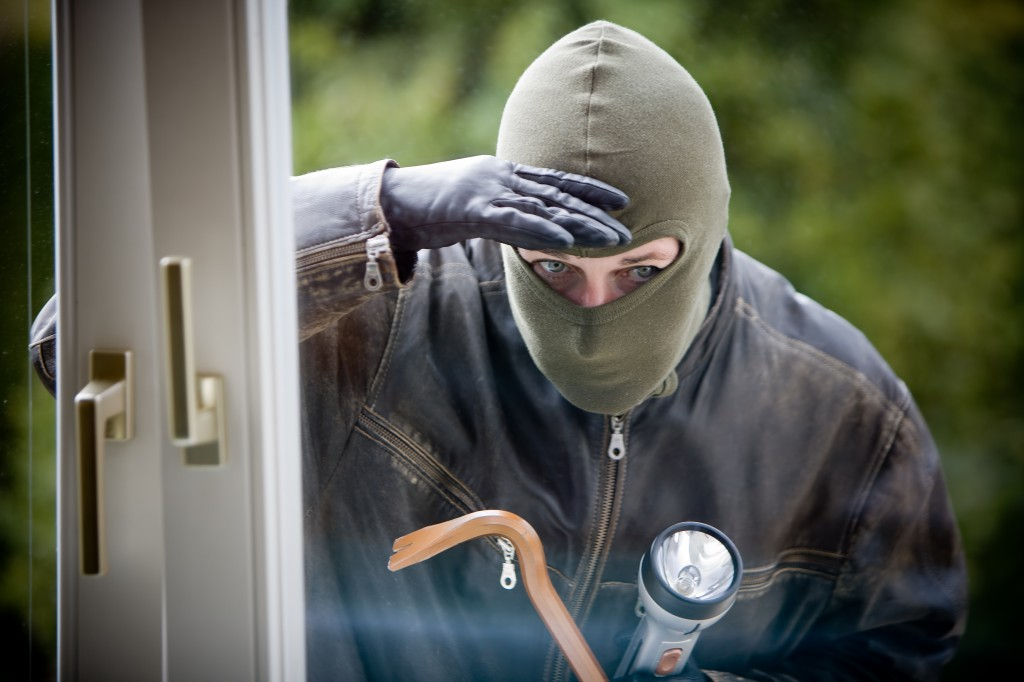 Low-cost Measures to Deter Burglars from Targeting your Home
